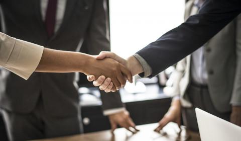 Acuerdo de negocios, final del protocolo y organización de eventos