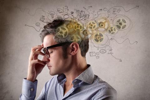 Consumidor pensando simbolizando neuromarketing