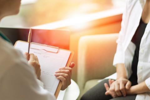Experto en psicología transpersonal en consulta