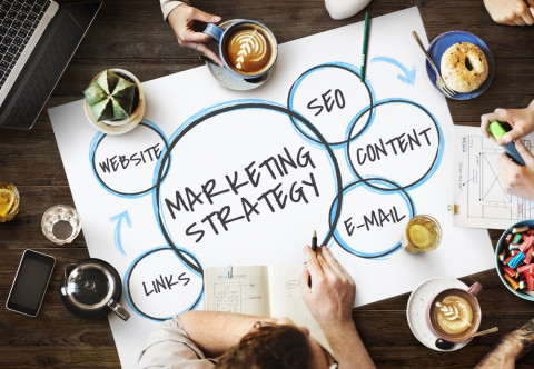 Empleados trabajando en content marketing