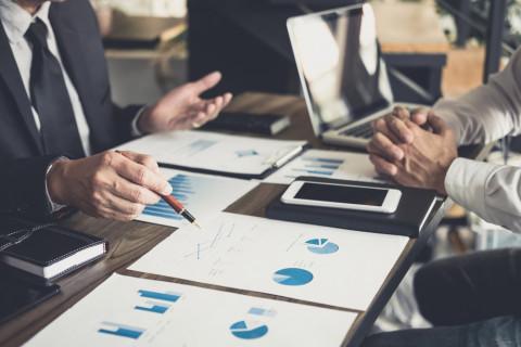 CEO de empresas digitales con un balance