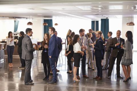 Personas en un evento empresarial